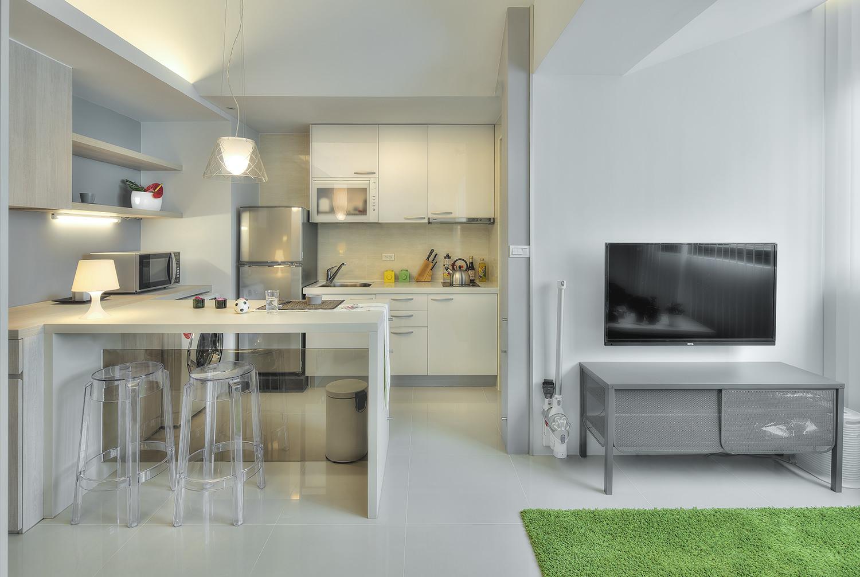 dizajn-kvartiry-studii-s-barnoj-stojkoj-1